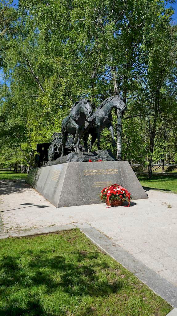 monument-po-dorogam-vojny_02