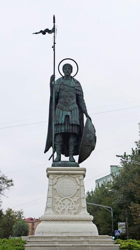 pamyatnik-dmitriyu-solunskomu-v-dmitrove_06