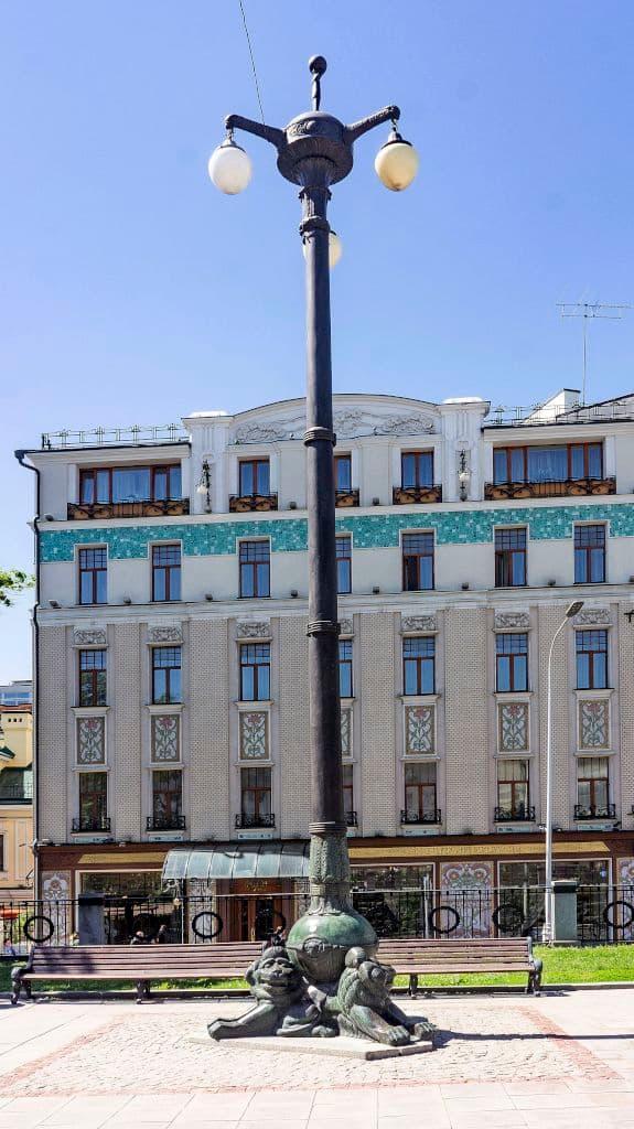 pamyatnik-gogolyu-na-gogolevskom-bulvare_09