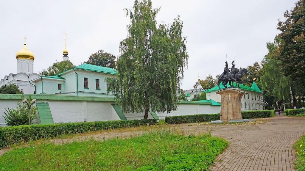 pamyatnik-knyaz-yam-borisu-i-glebu_01