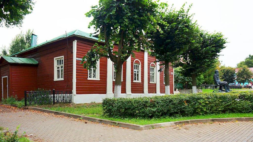 pamyatnik-kropotkinu-v-dmitrove_01