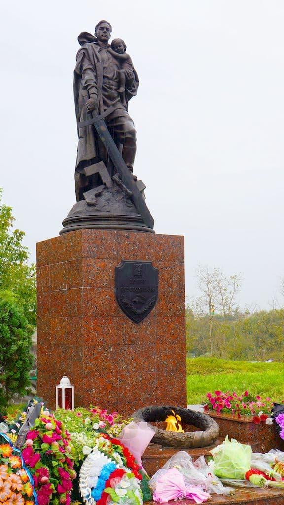 pamyatnik-voinu-osvoboditelyu-serpuhov_06