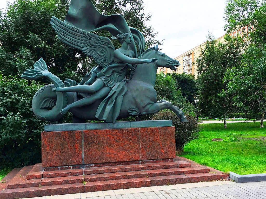 skulptura-allegoriya-vody-na-ukrainskom-bulvare_05