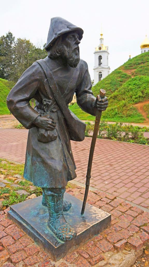 skulptury-na-kropotkinskoj-sosloviya-xix-veka_12