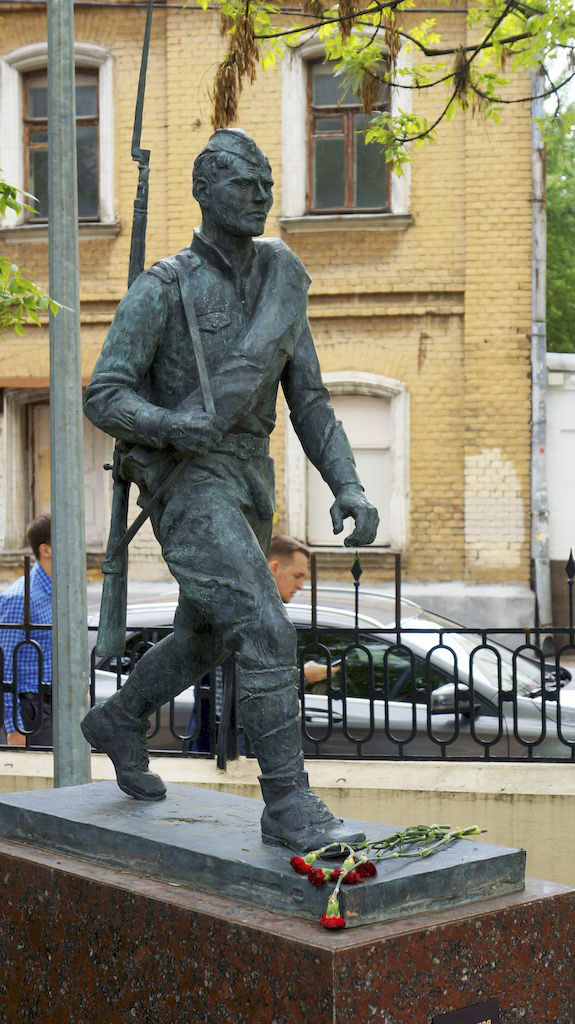 27_skulptura-soldata