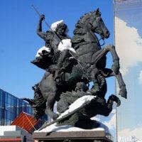 Фото Памятника Георгию Победоносцу на Комсомольской площади