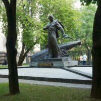 Фото - Мемориал Экипажу Атомного Подводного Крейсера КУРСК (Москва)