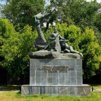 Фото - Памятник участникам боёв на Красной Пресне (Москва)