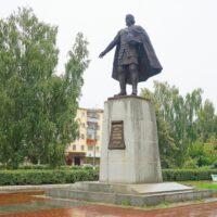 Фото - Памятник Владимиру Храброму (Серпухов, Московская Обл.)