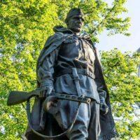 Фото - Памятник Защитнику Родины на Ярцевской улице (Москва)