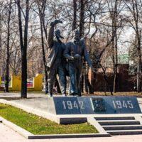 Фото - Памятник Лётчикам авиаполка «Нормандия-Неман» в Лефортово (Москва)
